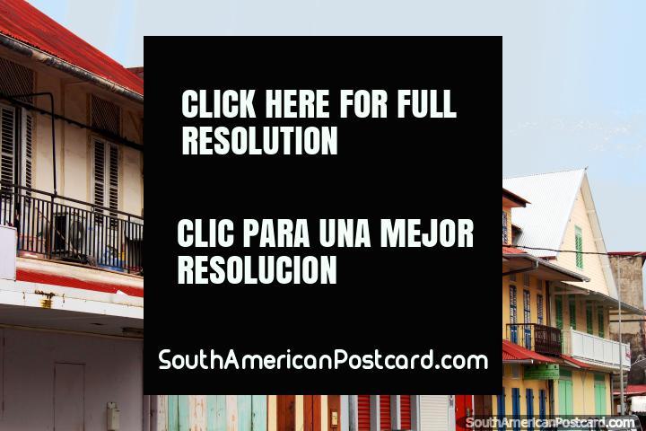 Casas y edificios de madera viejos tienen mucho carácter, Cayenne, Guayana Francesa. (720x480px). Las 3 Guayanas, Sudamerica.