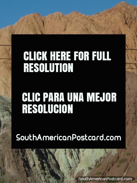 Montaña de Siete Colores. (480x640px). Argentina, Sudamerica.