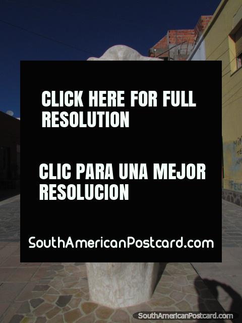 Belgrano pedestrian walkway, huge head sculpture in La Quiaca. (480x640px). Argentina, South America.