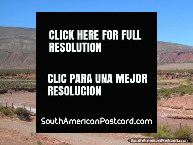 Dry river bed and mountains between La Quiaca and Jujuy. (640x480px). Argentina, South America.