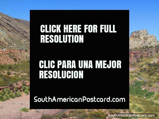 Leito fluvial e formações de rocha ao norte de Jujuy. (640x480px). Argentina, América do Sul.