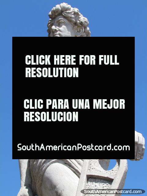 Monumento del varón del estilo griego en Jujuy. (480x640px). Argentina, Sudamerica.