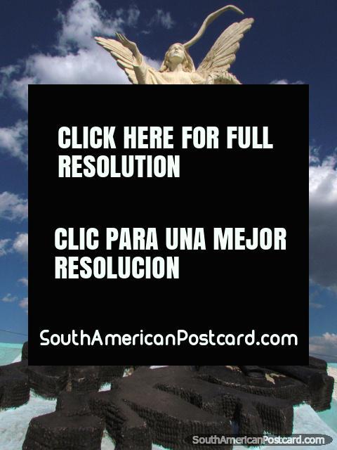 Spectacular monument in Salta called Juremos con Gloria Morir. (480x640px). Argentina, South America.