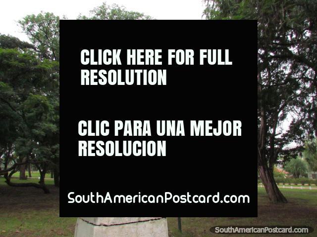 Peça de arte Dante no Parque Quiros em Colon. (640x480px). Argentina, América do Sul.