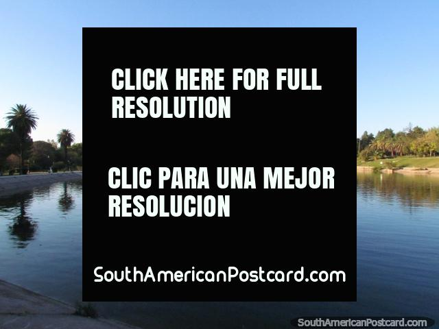 The large lagoon at San Martin Park in Mendoza. (640x480px). Argentina, South America.