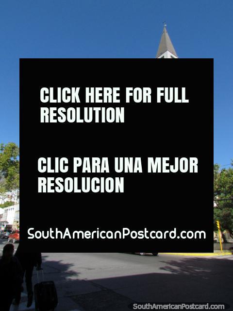 La catedral con campanario en San Juan. (480x640px). Argentina, Sudamerica.