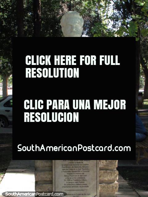 Author and poet Segundino Navarro (1852-1910) bust at Parque de Mayo in San Juan. (480x640px). Argentina, South America.