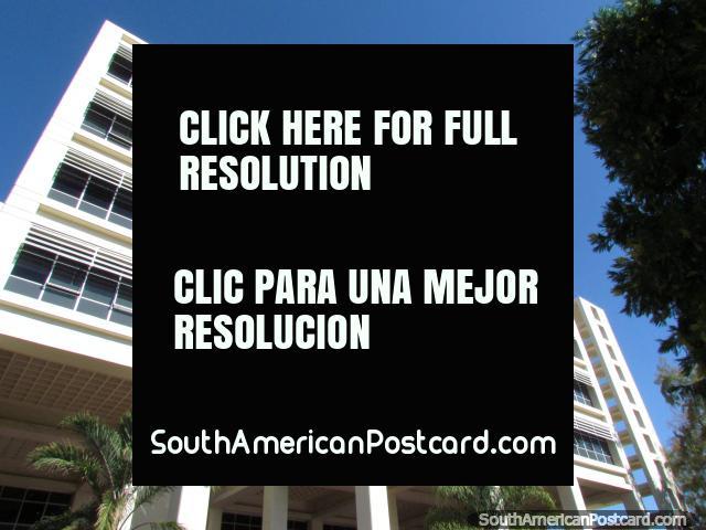 El Centro cívico, edificio en San Juan. (640x480px). Argentina, Sudamerica.