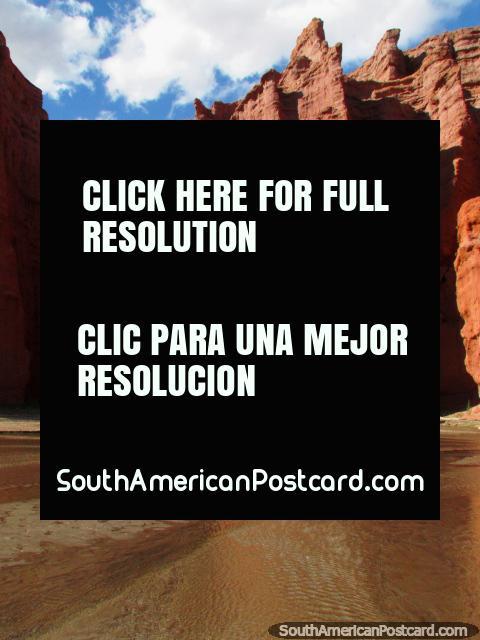 Ladies and gentlemen, the 3 Castles rock formation at the Quebrada de las Conchas in Cafayate. (480x640px). Argentina, South America.