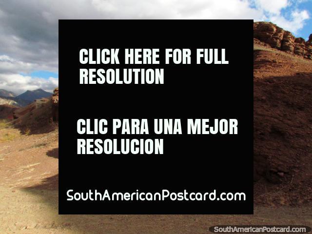 Taking a walk up some hills, Quebrada de las Conchas in Cafayate. (640x480px). Argentina, South America.