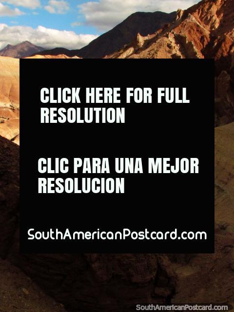 Cuestas que se mueven en todas las direcciones, Quebrada de las Conchas en Cafayate. (480x640px). Argentina, Sudamerica.