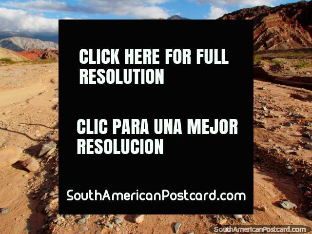 The area we just explored before sundown at the Quebrada de las Conchas in Cafayate. (640x480px). Argentina, South America.