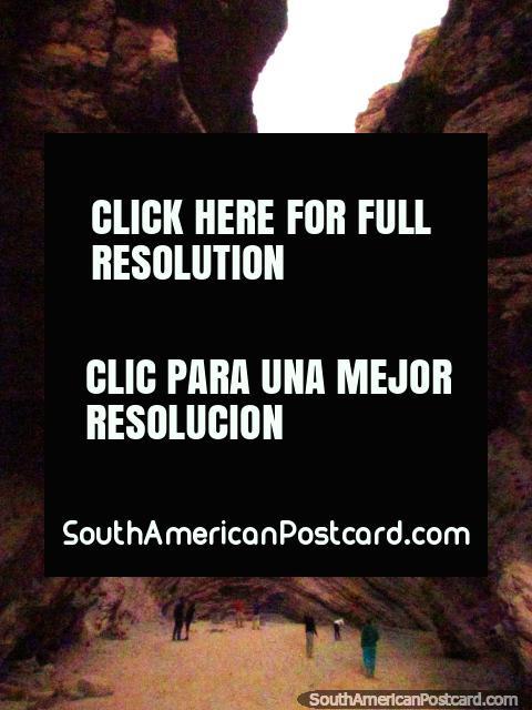 Natural amphitheater El Anfiteatro, Quebrada de las Conchas in Cafayate. (480x640px). Argentina, South America.