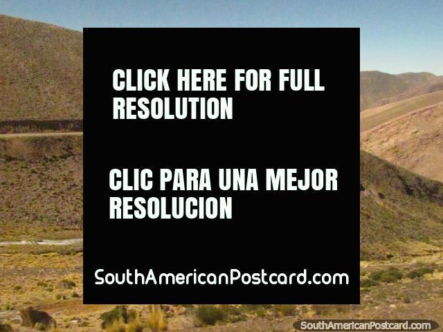 The road through the mountains to Paso de Jama. (640x480px). Argentina, South America.