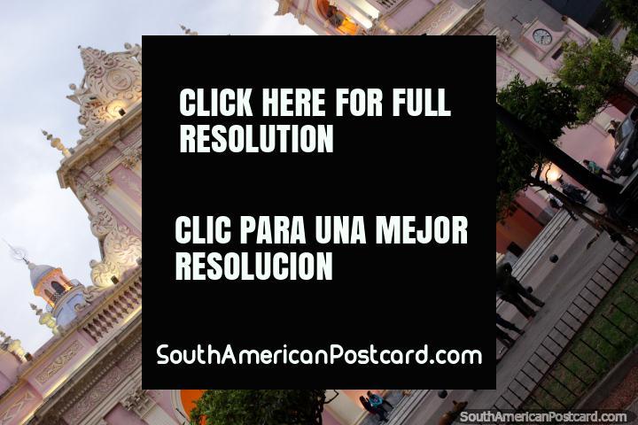 A fachada rosa fantástica da catedral em Salta. (720x480px). Argentina, América do Sul.