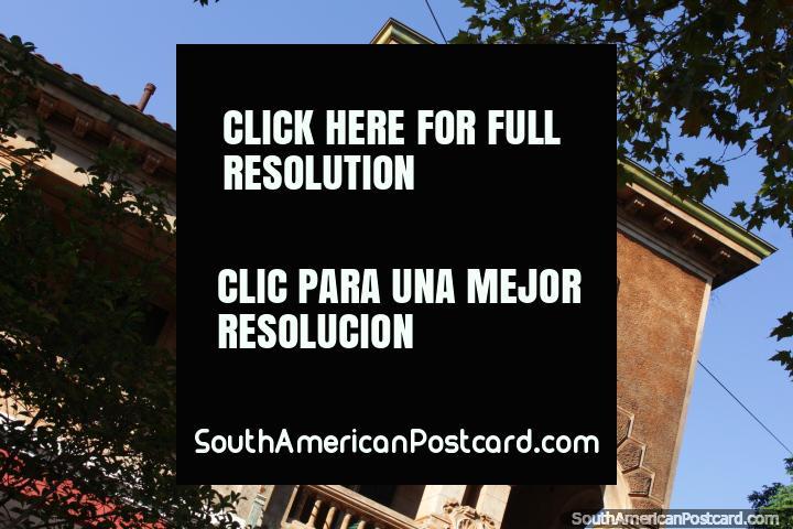 La Casona - Aromas Cafe, an interesting building in Posadas. (720x480px). Argentina, South America.