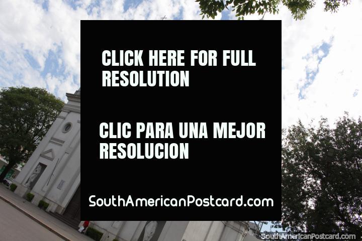 A catedral - Parroquia San Fernando, em Resistencia. (720x480px). Argentina, América do Sul.