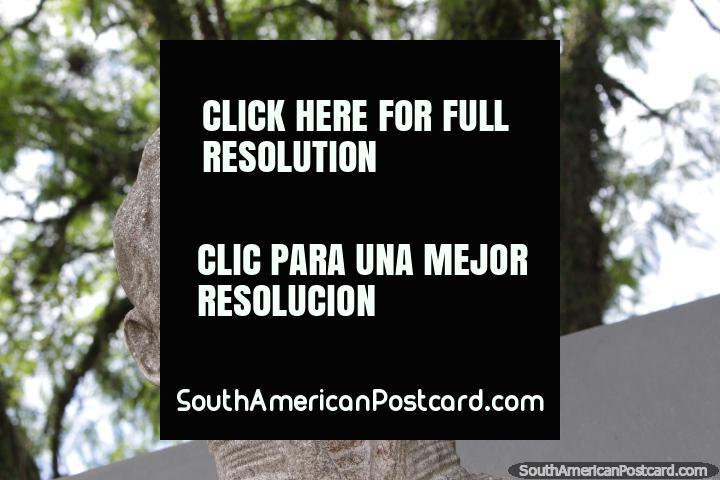 Almirante Guillermo Brown (1777-1857), fundador de la Armada Argentina, busto en Resistencia. (720x480px). Argentina, Sudamerica.
