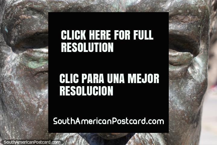 Cabeza de Juan de Dios Mena by Victor Marchese, bronze sculpture in Resistencia. (720x480px). Argentina, South America.
