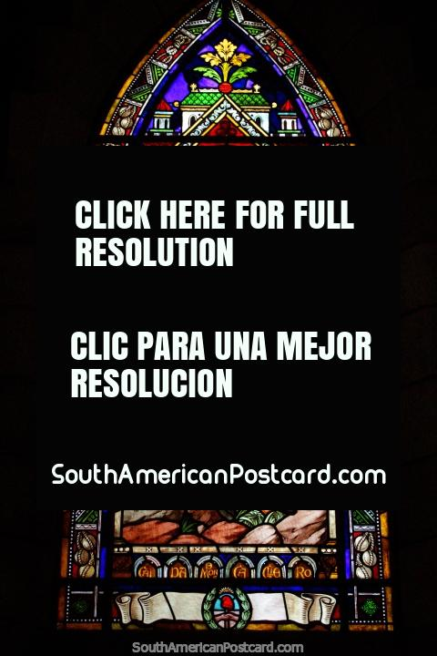 Sacerdote y un caballo blanco, vitral en la catedral de Bariloche. (480x720px). Argentina, Sudamerica.