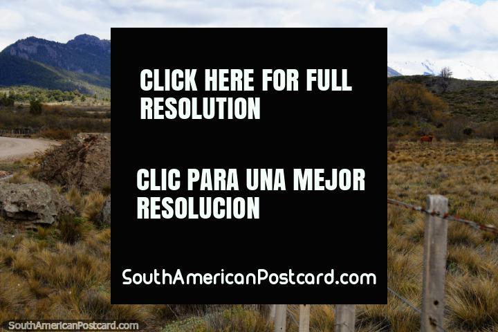 Ruta 65 a Traful, camino sin sellar con hermosos paisajes para ver en el camino. (720x480px). Argentina, Sudamerica.