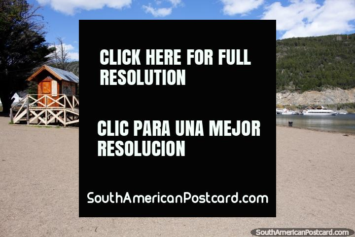Beach at San Martin de los Andes on the shores of Lake Lacar, north of Bariloche. (720x480px). Argentina, South America.