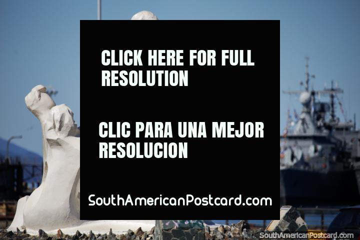 White sculpture of a mother and her children at the Plaza Isla de la Buena Memoria in Ushuaia. (720x480px). Argentina, South America.