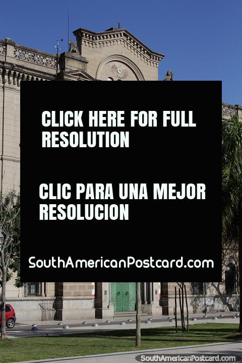 Colegio de la Inmaculada Concepción en Santa Fe, un prestigioso edificio de la ciudad. (480x720px). Argentina, Sudamerica.