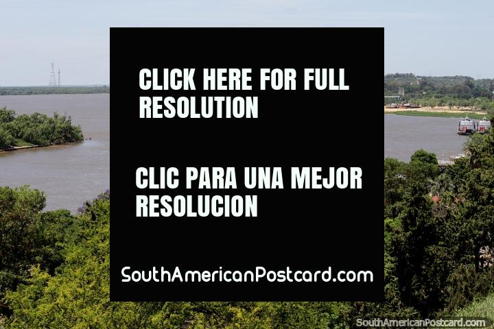 Beautiful view of the Parana River, just a few blocks from the city in Parana. (720x480px). Argentina, South America.