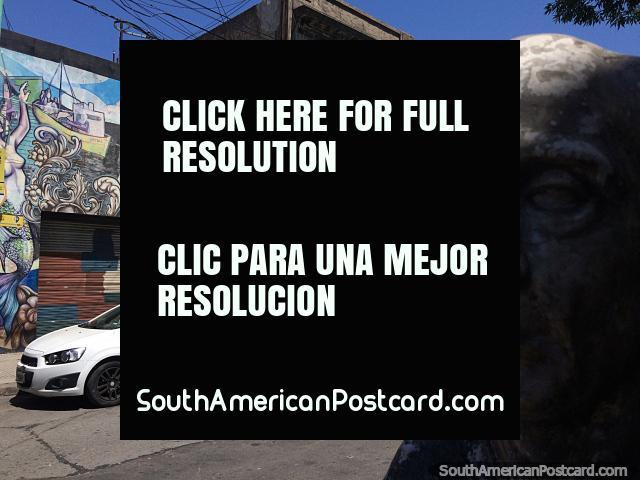 Busto cerâmico e arte de rua em La Boca em Buenos Aires. (640x480px). Argentina, América do Sul.