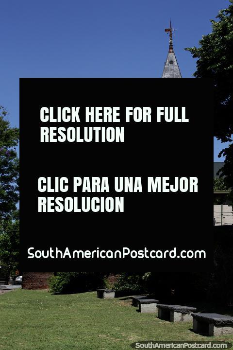 É uma igreja, não é o Clube de Remo de Buenos Aires no Tigre. (480x720px). Argentina, América do Sul.