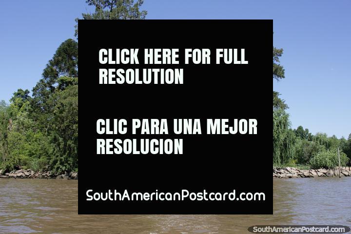 Vivo um estilo de vida mágico em uma casa junto do rio em belo Tigre em Buenos Aires. (720x480px). Argentina, América do Sul.