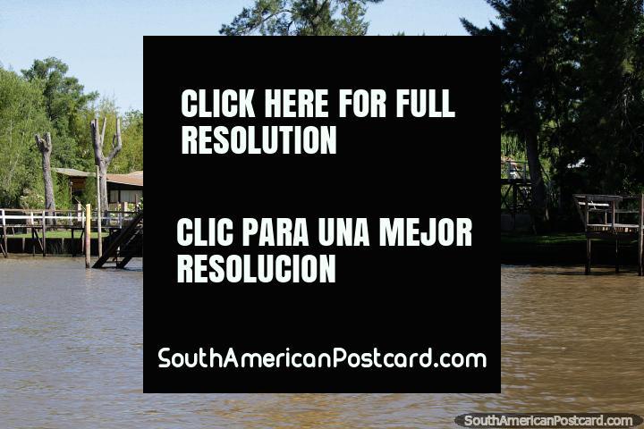 Vivendo em estilo, uma casa com um lançador de barco em Tigre, Buenos Aires. (720x480px). Argentina, América do Sul.