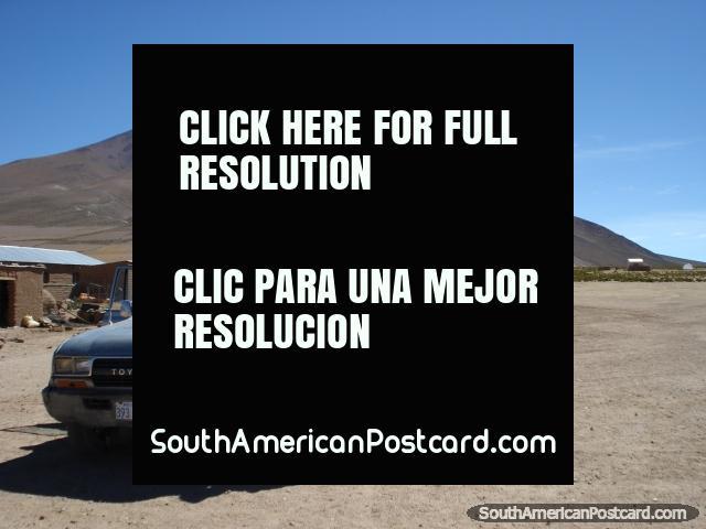Viajar com 8 pessoas em um jipe em volta do Salar de Uyuni. (640x480px). Bolívia, América do Sul.