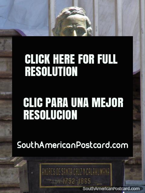 Andres de Santa Cruz y Calahumana (1792-1865) monument in La Paz. (480x640px). Bolivia, South America.