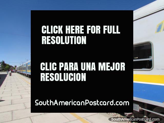 Expreso del Sur, the train from Oruro to Uyuni. (640x480px). Bolivia, South America.