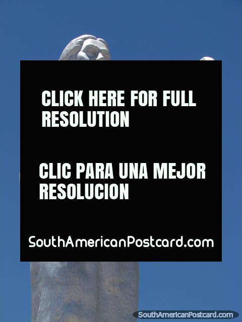 Generosa Mujer de Uyuni monument close-up, holding cup. (480x640px). Bolivia, South America.