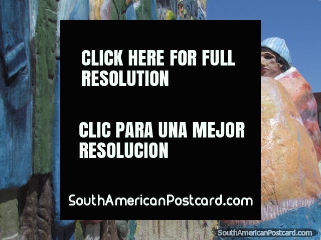 Una escultura del monumento en un parque de Uyuni. (640x480px). Bolivia, Sudamerica.