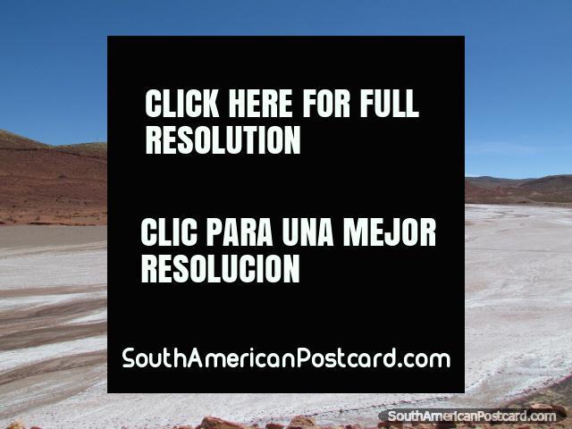 Salt flats between Uyuni and Potosi. (640x480px). Bolivia, South America.