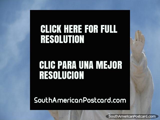 Corazon de Jesus (heart of Jesus) monument in Tupiza. (640x480px). Bolivia, South America.