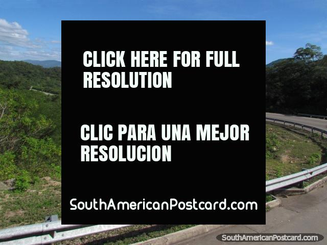Belas visões que viajam em estrada 9 em volta de Abapo, ao sul de Santa Cruz. (640x480px). Bolívia, América do Sul.