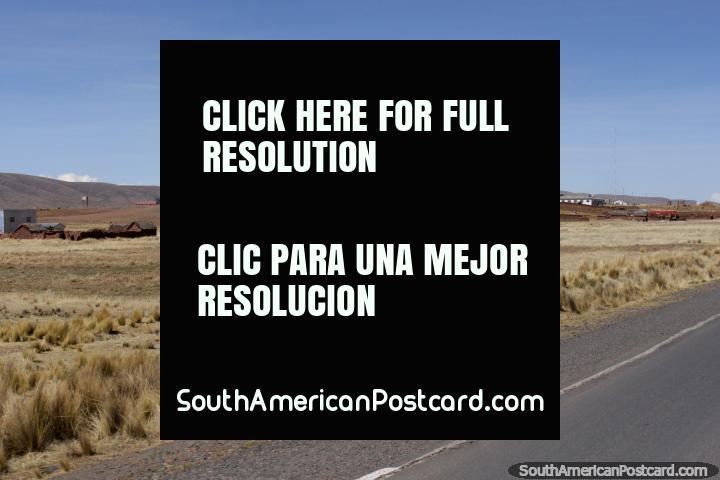 Al llegar a Tiahuanaco de Desaguadero, se tarda 25 minutos (40 km). (720x480px). Bolivia, Sudamerica.
