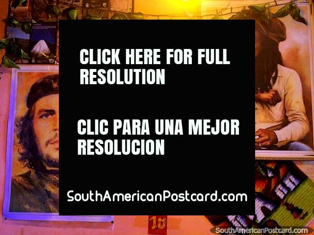 Che Guevara y Bob Marley, pinturas en un restaurante en Uyuni, ven sus imágenes en toda América del Sur. (640x480px). Bolivia, Sudamerica.