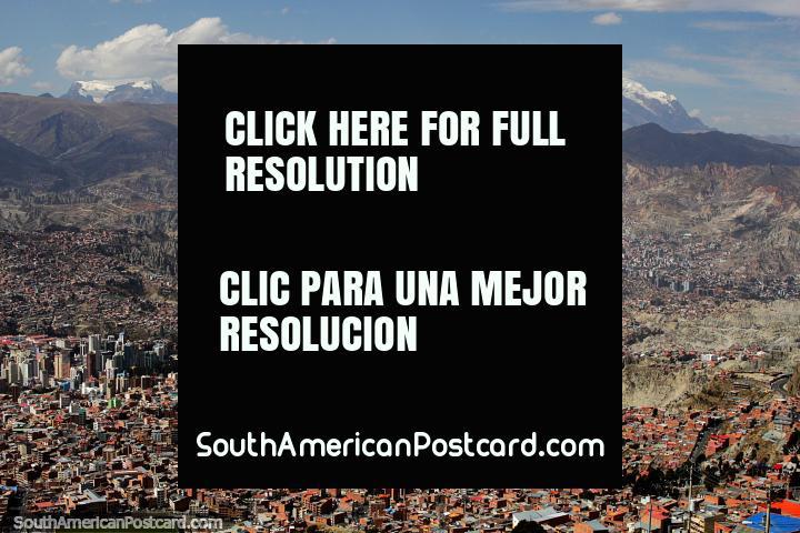 La montaña Illimani, el segundo pico más alto de Bolivia, el primer ascenso fue en 1898, ciudad de La Paz. (720x480px). Bolivia, Sudamerica.