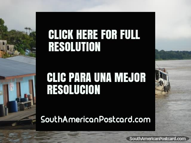 Boats go to Ecuador from the west end of the Amazon river. (640x480px). Brazil, South America.