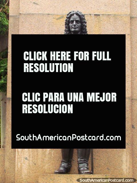 Statue of soldier Brigadier Jose da Silver Paes (1679-1760) in Rio Grande. (480x640px). Brazil, South America.