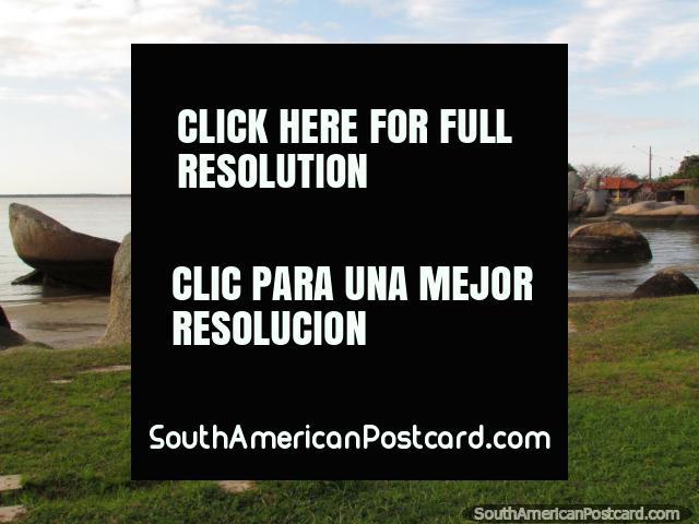 Playa del canto rodado y mañana tranquila en Florianopolis. (640x480px). Brasil, Sudamerica.
