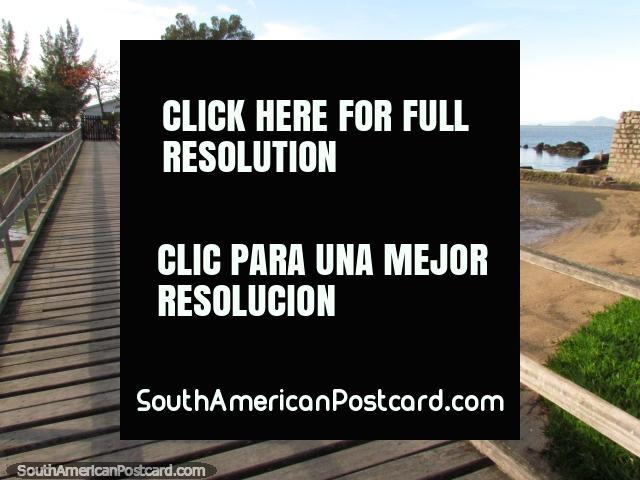 Amaría vivir en esta casa al final de embarcadero en Florianopolis. (640x480px). Brasil, Sudamerica.