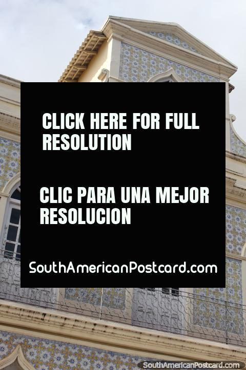 Uno de los pocos edificios históricos en Santarem, Solar dos Brancos. (480x720px). Brasil, Sudamerica.