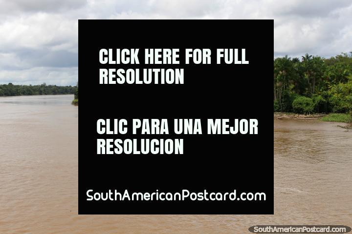 El Río Parauau viaja hacia el sur desde el Río Amazonas hacia Belem. (720x480px). Brasil, Sudamerica.